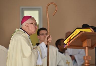 默主哥耶 Luigi Pezzuto 總主教帶領誦唸玫瑰經及主持彌撒聖祭:我們擁有和平,因為耶穌與我們同在