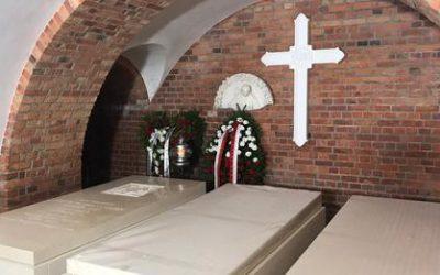 總主教Henryk Hoser遺體下葬於Warsaw-Praga Cathedral
