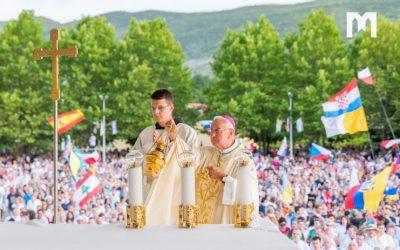 总主教 Luigi Pezzuto 在默主哥耶庆祝金禧
